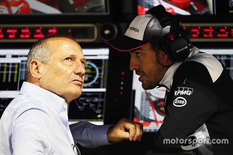 Ron Dennis a demandé à la FIA de laisser Alonso courir