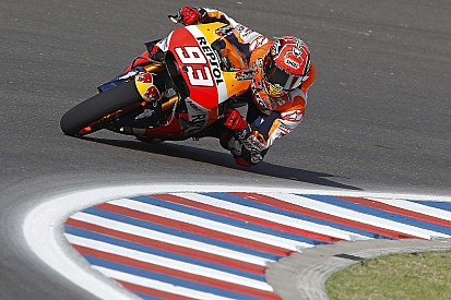 Marquez in pole in Argentina, ma le Yamaha lo pressano