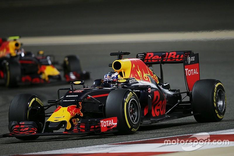 """Ricciardo: """"Gelukkig niet al te veel last van kapotte vleugel"""""""