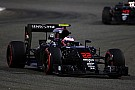 McLaren: Button costretto al ritiro. Honda teme un guasto al motore