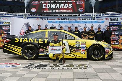Carl Edwards logra su primera pole position de la temporada en NASCAR