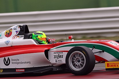Mick Schumacher wins on Italian F4 debut