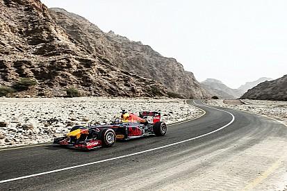 Photos - La démo de Red Bull et Coulthard en Oman