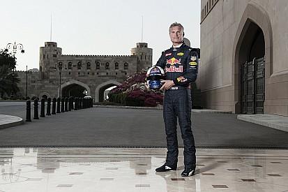 Galería: un Fórmula 1 por las calles de Omán