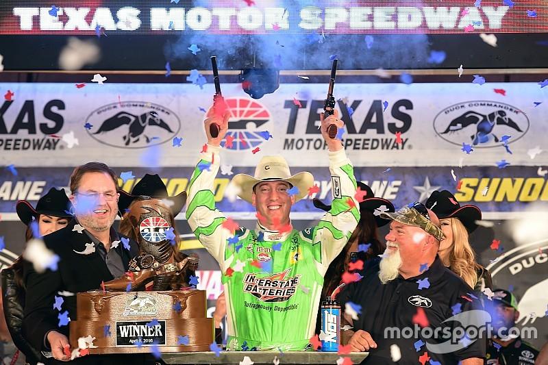 Kyle Busch ganha a quarta em oito dias na NASCAR