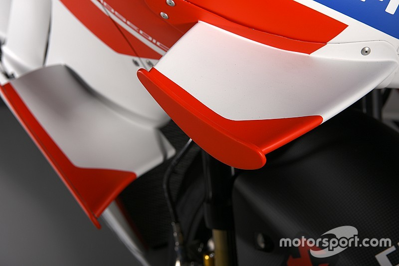 """Pedrosa na crash met Dovizioso: """"Verbied die vleugeltjes"""""""