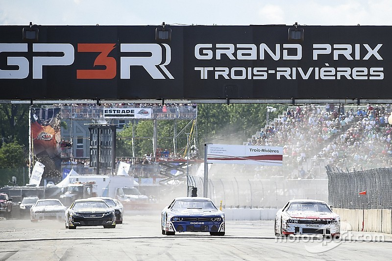 Jeffrey Earnhardt en série NASCAR Pinty's à Trois-Rivières