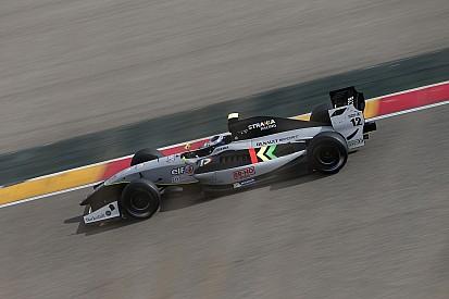 Strakka slaat Formula V8 3.5 seizoensopener over