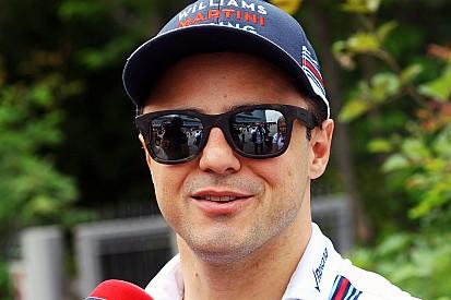 Massa exalta união de pilotos em encontro