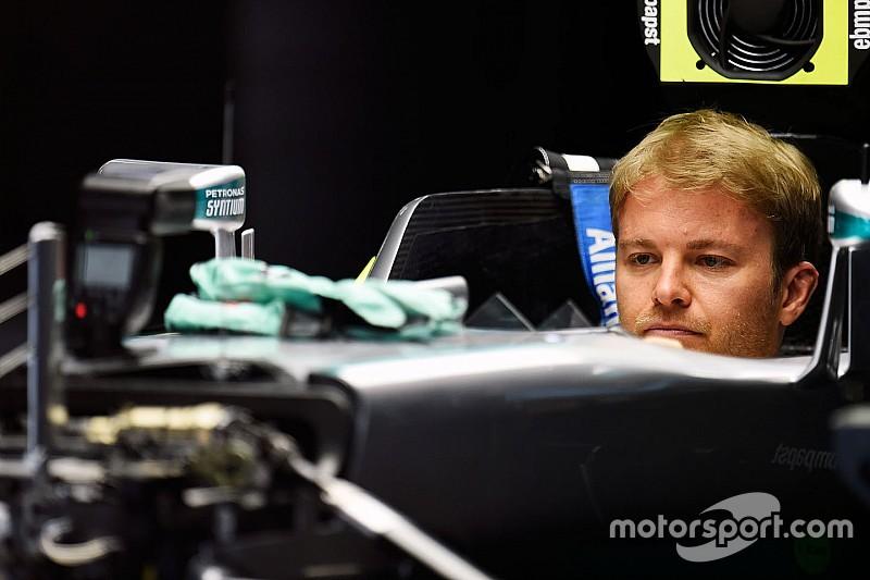 Rosberg é o mais rápido e Massa tem pneu furado duas vezes