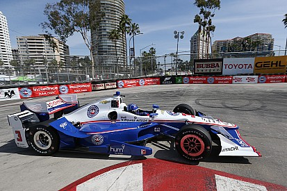 Castroneves é pole em Long Beach; Kanaan larga em 4º