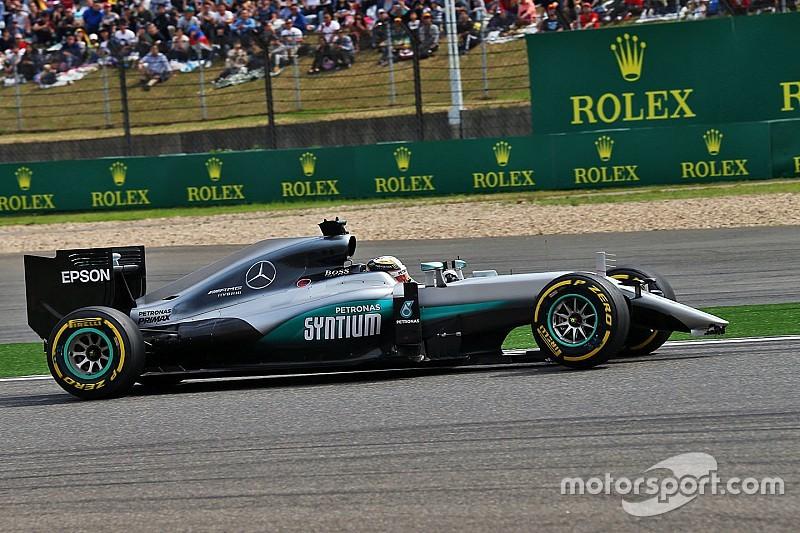 """Hamilton: """"Het leek alsof ik met een hemelbed racete"""""""