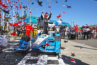 Simon Pagenaud schiva la penalità e centra il successo a Long Beach