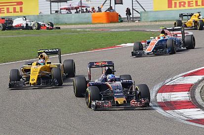 Verstappen: se tivesse mais uma volta passaria Hamilton