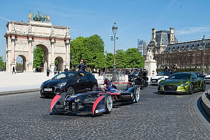 Photos - Vergne parade dans les rues de Paris!