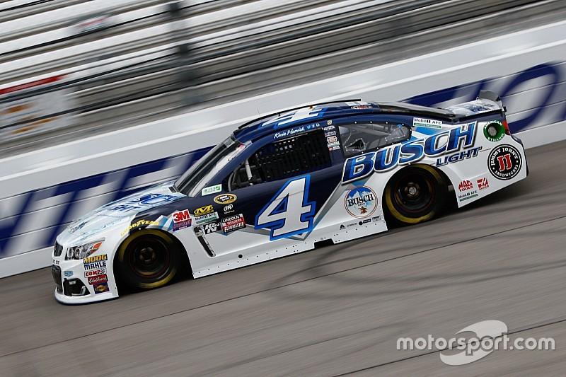 Chuva faz NASCAR cancelar classificação; Harvick é pole