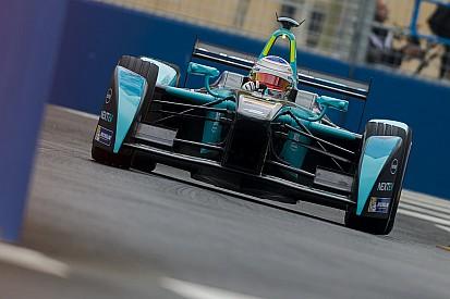 Problema em carro de Piquet ainda é desconhecido para piloto