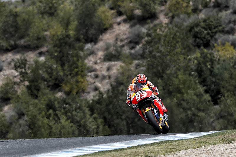 Marquez voor Rossi en Lorenzo in Spaanse warm-up