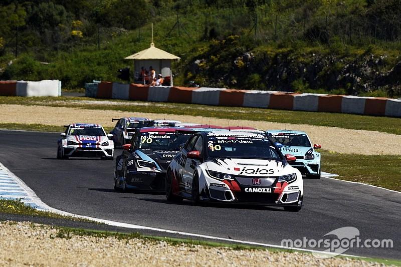 TCR in Estoril: Gianni Morbidelli und James Nash dominieren