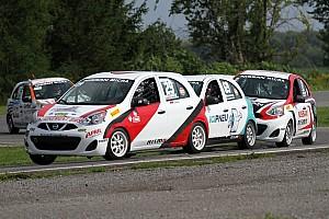 De jeunes pilotes de kart en Coupe Nissan Micra