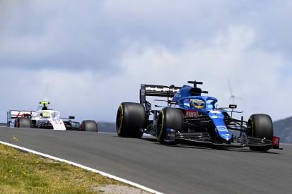 """Trotz Q2-Aus: Alonso """"überrascht"""" vom plötzlich starken Alpine"""