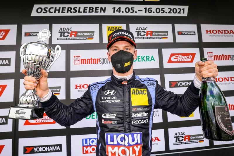 TCR Germany Oschersleben 2021: Luca Engstler macht Doppelsieg perfekt