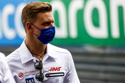 Boxenmalheur in Barcelona: Mick Schumacher im Nachhinein beruhigt