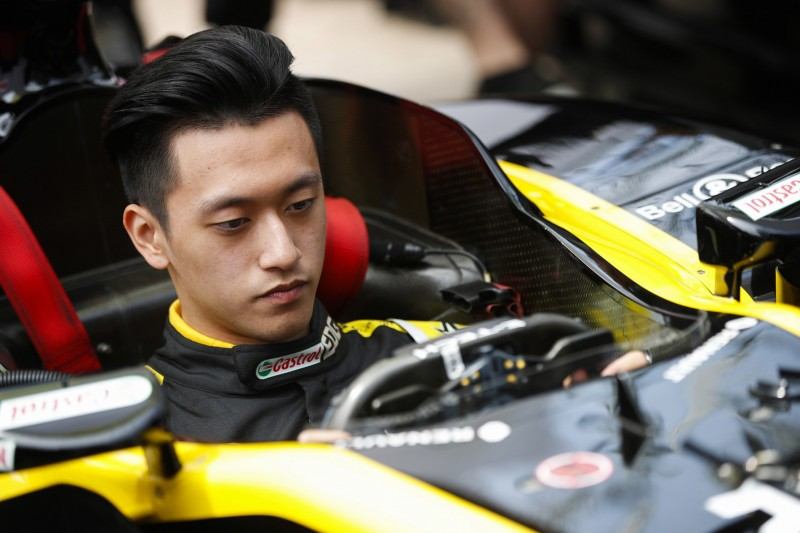 Guanyu Zhou feiert Formel-1-Debüt im Training in Spielberg