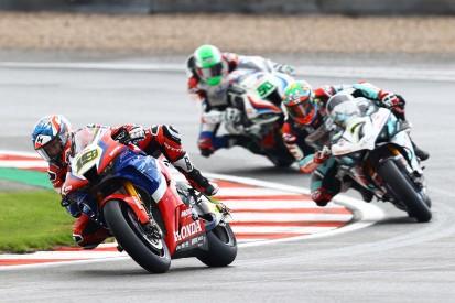 Honda fährt hinterher: Bautista in Donington chancenlos gegen Haslam