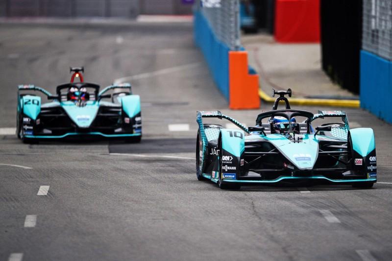 Formel E New York 2021: Jaguar erobert komplette erste Startreihe