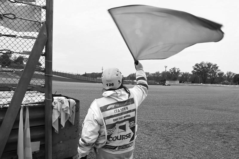 Ehrenamtlicher Sportwart stirbt bei Tourenwagen-Unfall in Brands Hatch