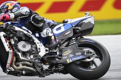 Kurios: Verkleidungsteil an Bastianinis Ducati macht sich selbstständig