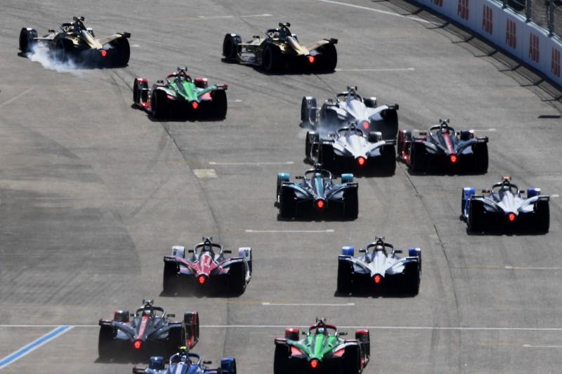Formel-E-Weltmeister de Vries kritisiert aggressive Fahrweise der Gegner