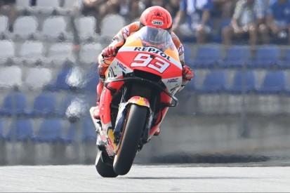 MotoGP Silverstone FT1: Bestzeit und Highspeed-Crash von Marc Marquez