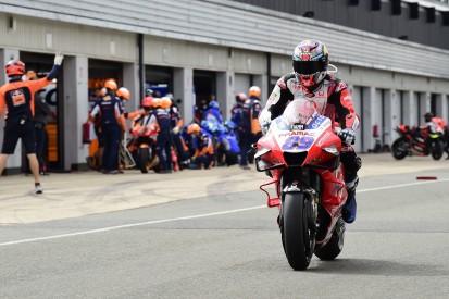 MotoGP-Liveticker: Historischer Renntag in Silverstone mit Aprilia auf Platz drei