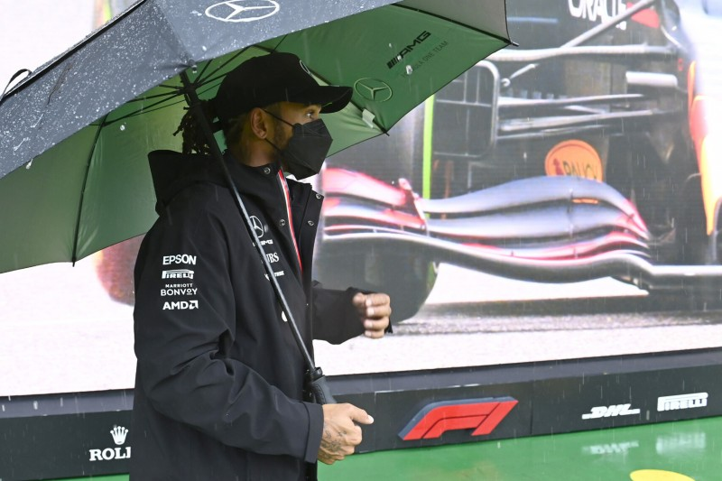 """Hamilton kritisiert Formel-1-Rennleitung: """"Geld regiert die Welt!"""""""