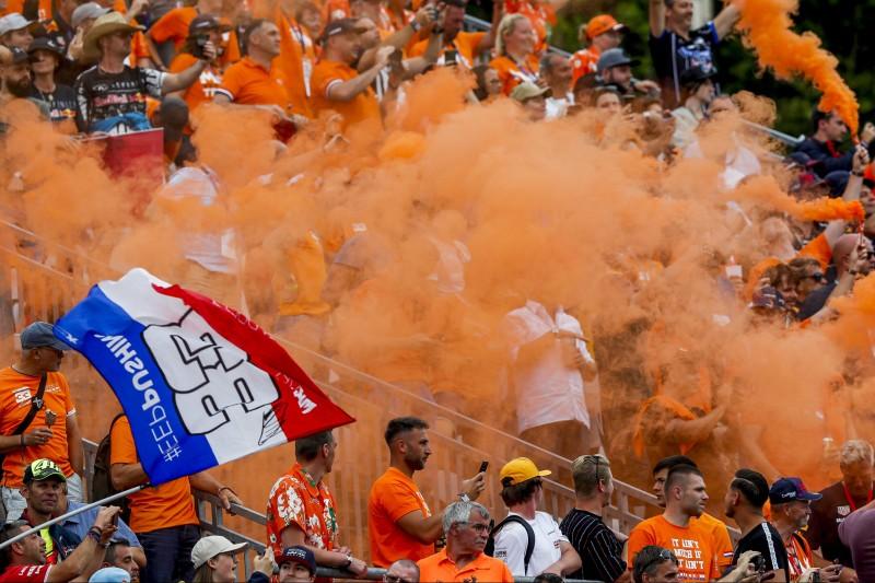 Buhrufe in Zandvoort? Jos Verstappen ruft Fans zu Respekt vor Hamilton auf