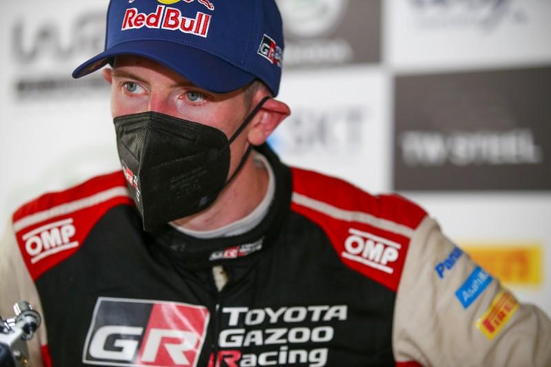 Hinweis auf Cockpits 2022? Evans und Rovanperä testen Rally1-Toyota