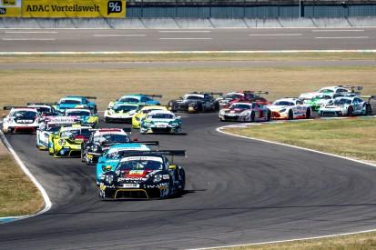 Halbzeitmeister gesucht: Deutsche GT-Meisterschaft auf dem DEKRA Lausitzring