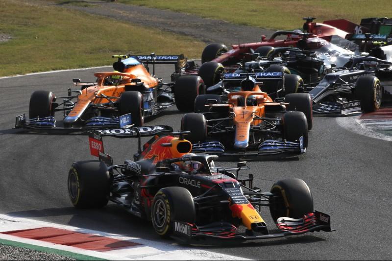 Max Verstappen: Hamilton wird definitiv an den McLaren vorbeikommen
