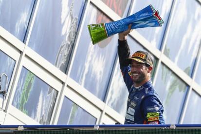 Daniel Ricciardo: Monza-Pokal neben letzter Senna-Trophäe