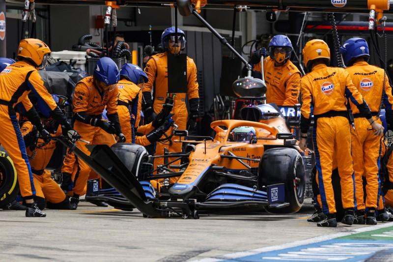 "Daniel Ricciardo: Boxenstopp-Fehler geht ""teilweise auf meine Kappe"""