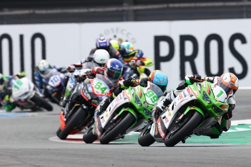 """Kritik von Ex-MotoGP-Pilot Loris Baz: Supersport 300 ist """"gefährlichste Klasse"""""""