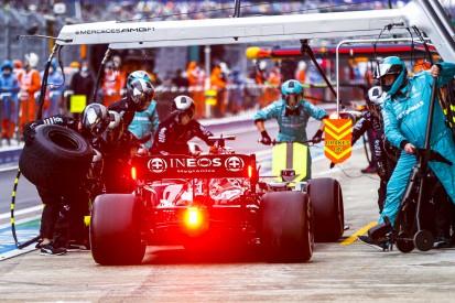 Mercedes: Mit Lewis Hamilton auf Stopp von Max Verstappen reagiert