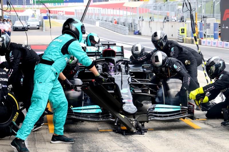 Neue Boxenstopp-Regel bremst Mercedes und Red Bull aus