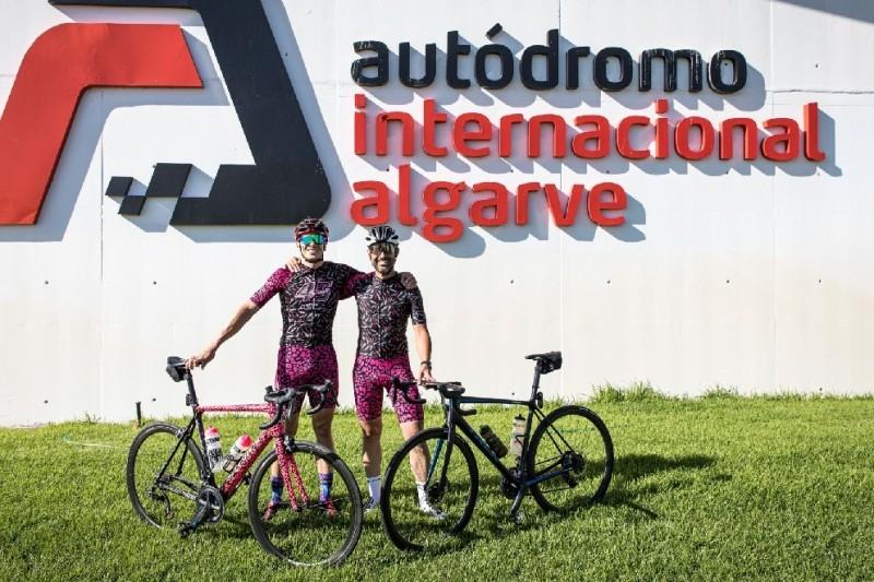 Besondere Anreise: Redding fährt mit dem Rad von Jerez nach Portimao