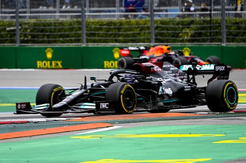 """Hätten uns den Arm abgebissen"": Duell Mercedes vs. Red Bull spitzt sich zu"