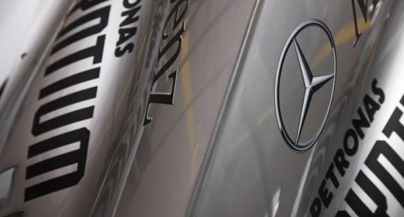 Daimler McLaren'daki 12 yıllık hissedarlığını sona erdirdi
