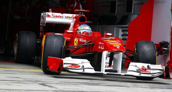 Alonso: Mercedes sürpriz yapabilir