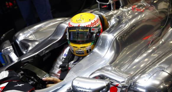 Singapur Grand Prix 2011 Cuma 1. antrenmanlar - Açılış Hamilton'dan